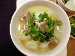 冬至进补正当时,喝一口清炖羊肉汤,整个冬天都不冷了。