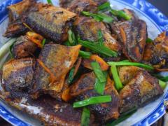 红烧秋刀鱼最好吃的家庭做法,简单实用教程详细,看一次就能学会