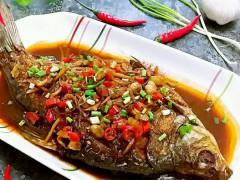 炖鱼,别用酒用醋去腥了!只需多加一味料,鲜嫩入味,没腥味